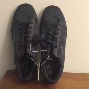 PUMA men's black size 8